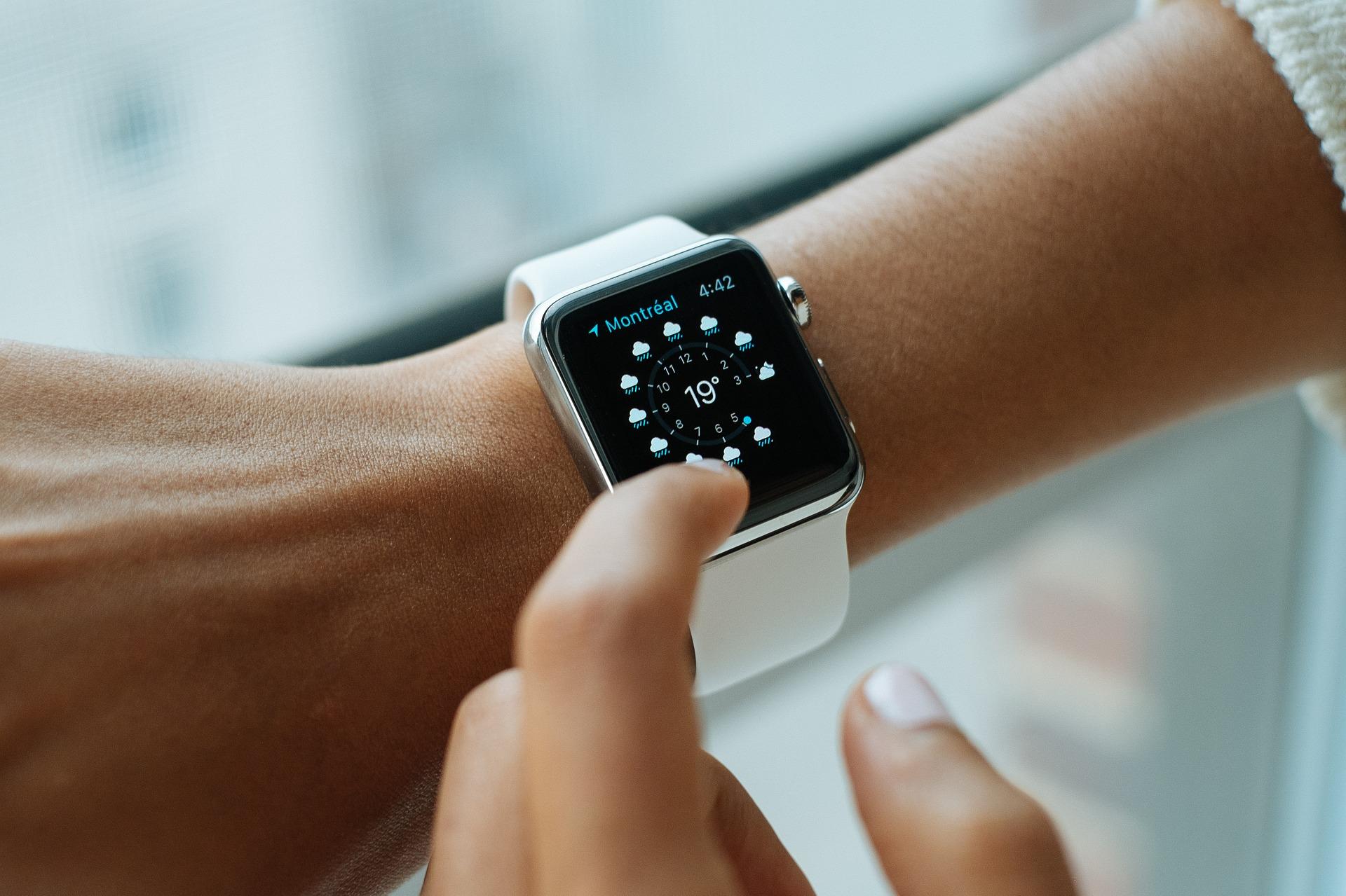 smart-watch-821557_1920