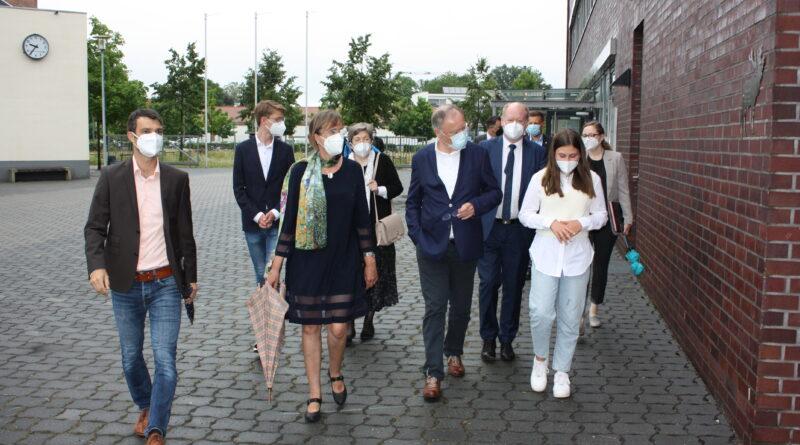 Besuch des Ministerpräsidenten am Evangelischen Gymnasium Nordhorn